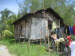 Rumah daif di Meludam